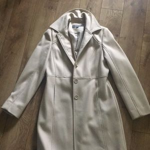 Kenneth Cole size 4 camel/nude colored trench